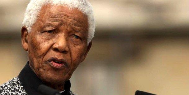 Photo of Nelson Mandela dies