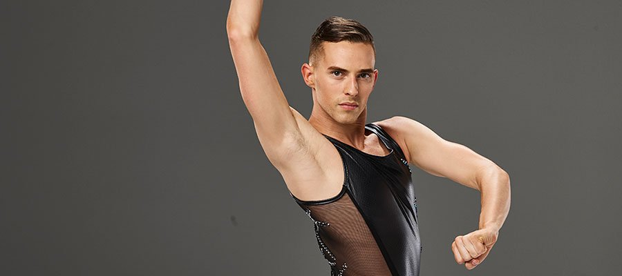 Photo of The world swipes right on Adam Rippon