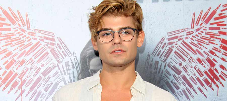 Photo of Actor Garrett Clayton comes out
